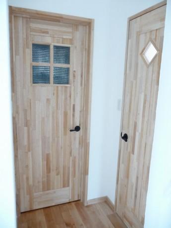 天然素材の扉