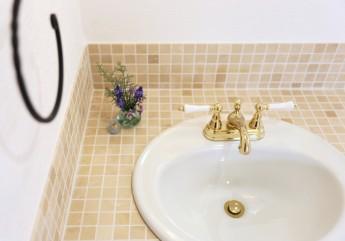 洗面化粧台 大理石モザイクタイル